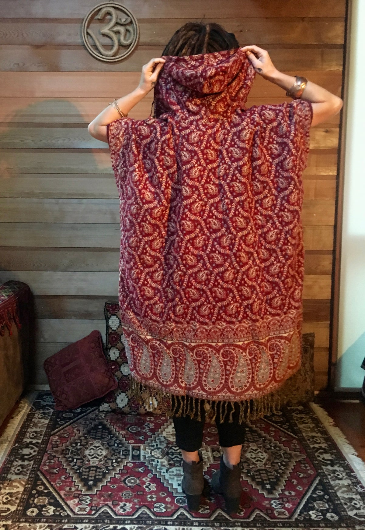 Manali Poncho - Long (Red)