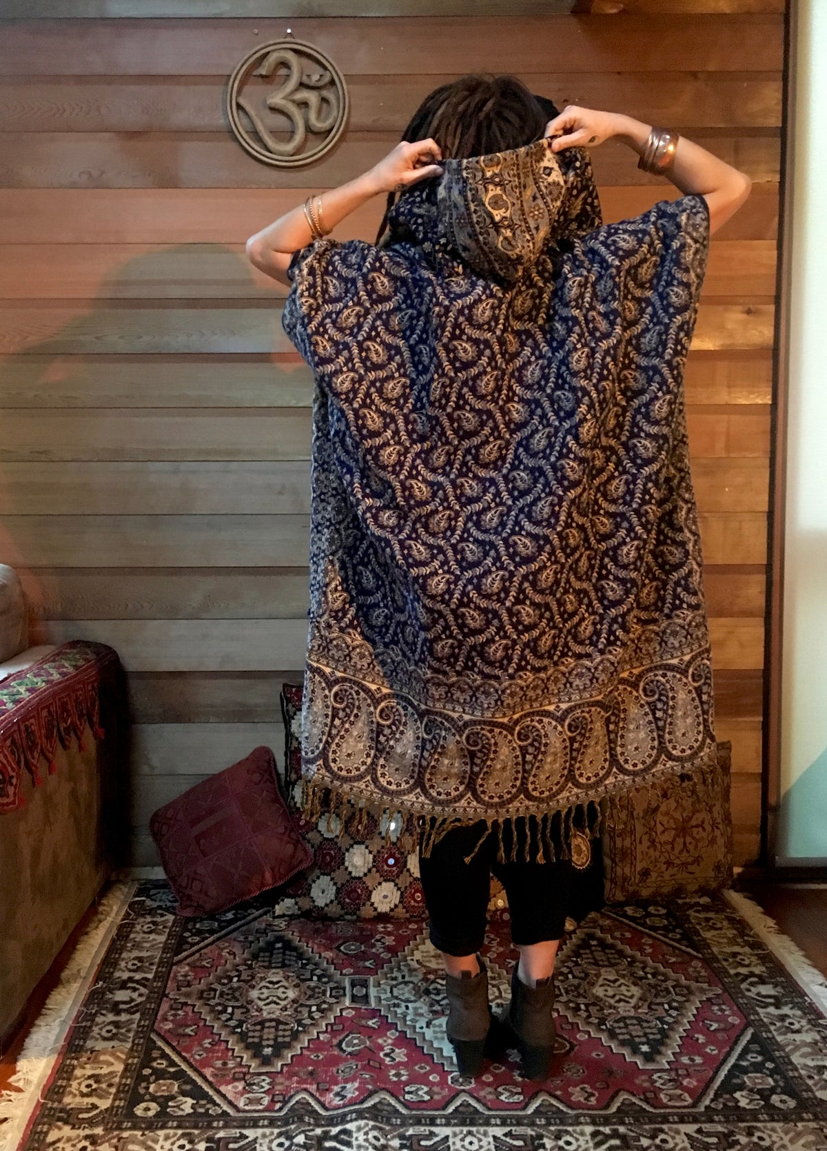 Manali Poncho - Long (Navy)