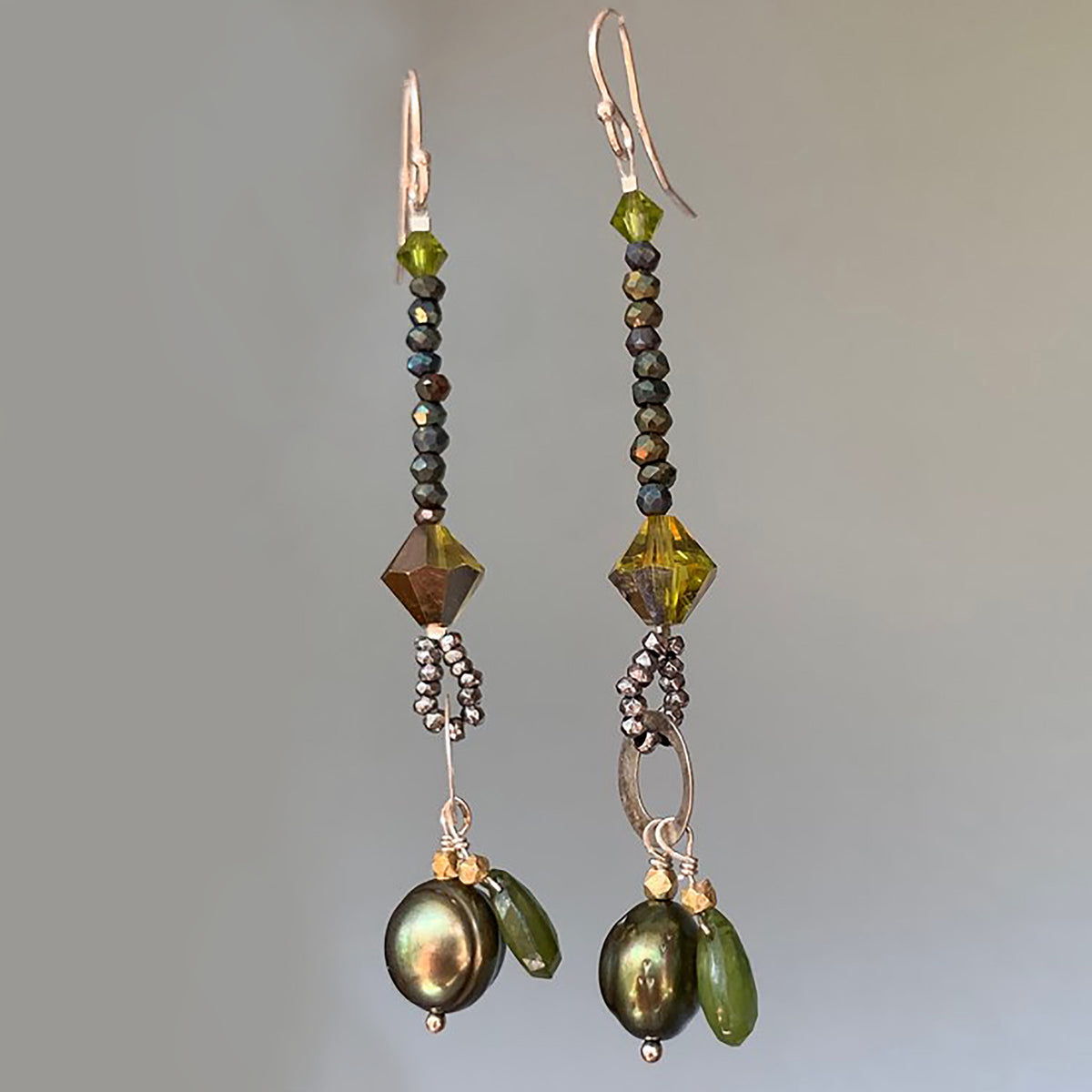 Pearl and Peridot earring