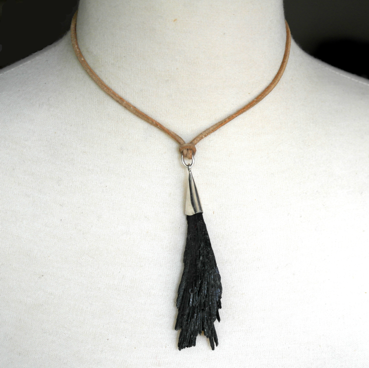 Lava me tender necklace