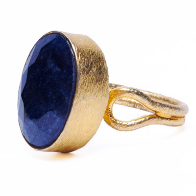 Blue Sapphire Ring in Gold
