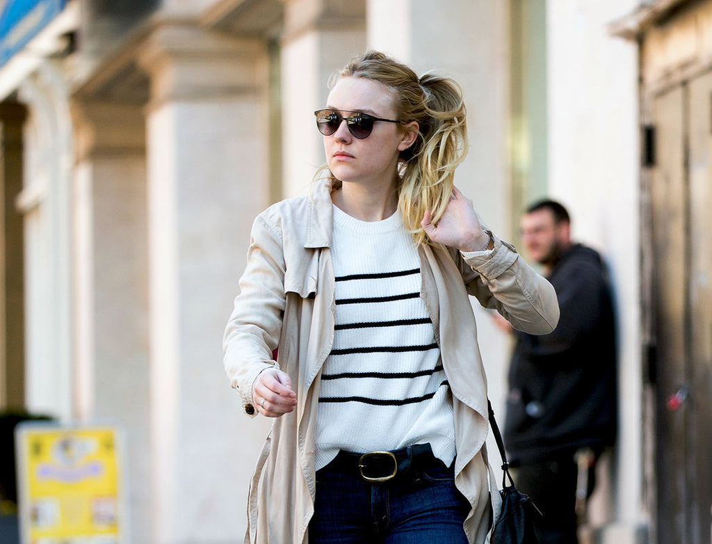 Dakota Fanning usa Carrera Eyewear - 115/S