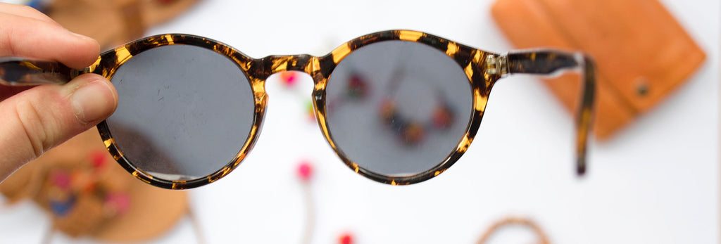 THINGS YOU SHOULD STOP DOING TO YOUR SUNGLASSES