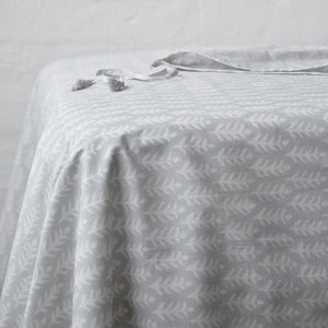 Leaf Rustic Grey Sheet