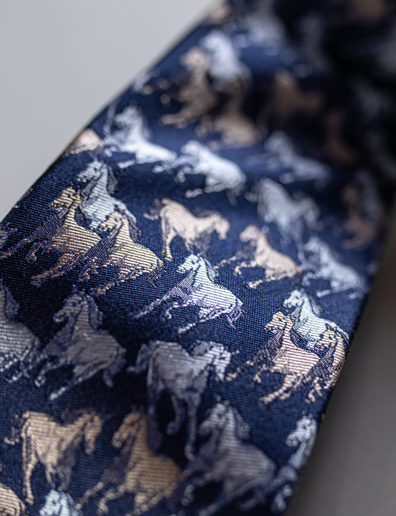 Wild Horse Tie & Textured Pocket Square Set