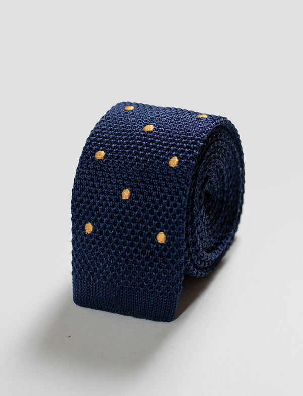 Knitted Spot Tie & Flower Pocket Square Set