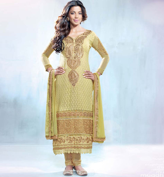 Mugdha Godse Off White Georgette Sraight Cut Salwar Suit