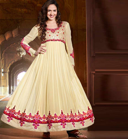 #EshaDeol Cream Anarkali