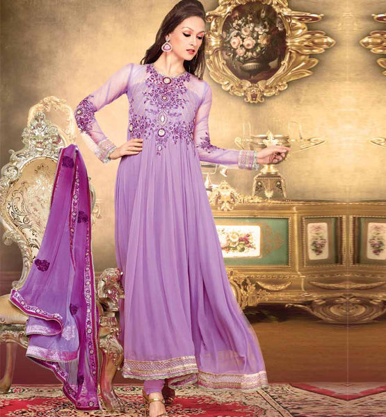 Mesmerizing purple suit for this Diwali
