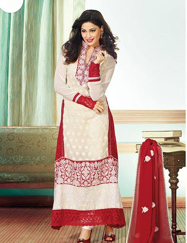Very good collection.  Best place to but womens ethnic clothes in India.