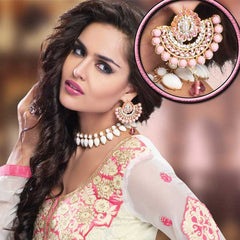 Jewellery - Attractive necklace matched with equally beautiful earrings