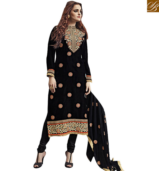 STYLISH BAZAAR INTRODUCES FASHIONABLE BLACK BRILLIANTLY EMBROIDERED SALWAAR KAMEEZ VDKAS1006