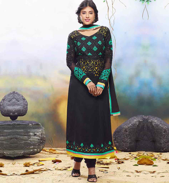 SALWAR KAMEEZ STYLES DESIGNER CLOTHING FOR THE TRENDY INDIAN MUTIYAAR