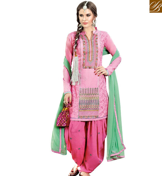 STYLISH BAZAAR PINK COTTON CASUAL WEAR STRAIGHT CUT SALWAR KAMEEZ HAVING AMAZING PATIALA STYLE VDPTH18450