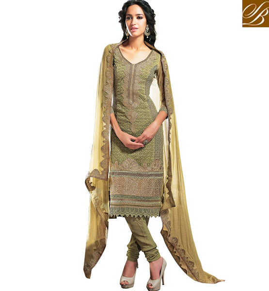 GEORGETTE SALWAR KAMEEZ WITH STONE WORK AND LACE BORDER RTAM2524