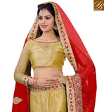 BEAUTIFUL PICTURE OF INDIAN WOMEN IN WEDDING WEAR CLOTHING TRADITIONAL LOOK