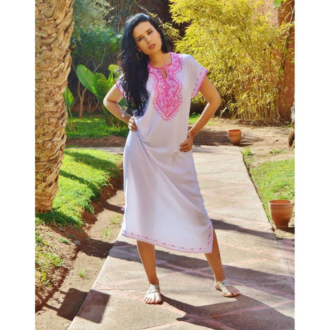 White Resort Marwa Lounge Wear Caftan Kaftan with Pink Embroidery - Maison De Marrakech