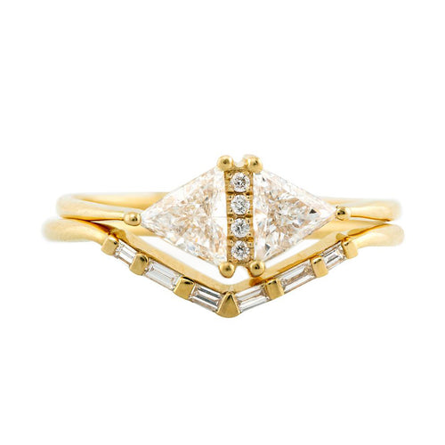 Alliance Chevron avec Diamants Baguette - V Baguette Ring1