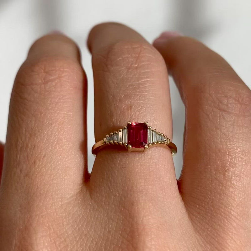 Padparadscha-Sapphire-Engagement-Ring-with-Baguette-Diamond-Detailing-video