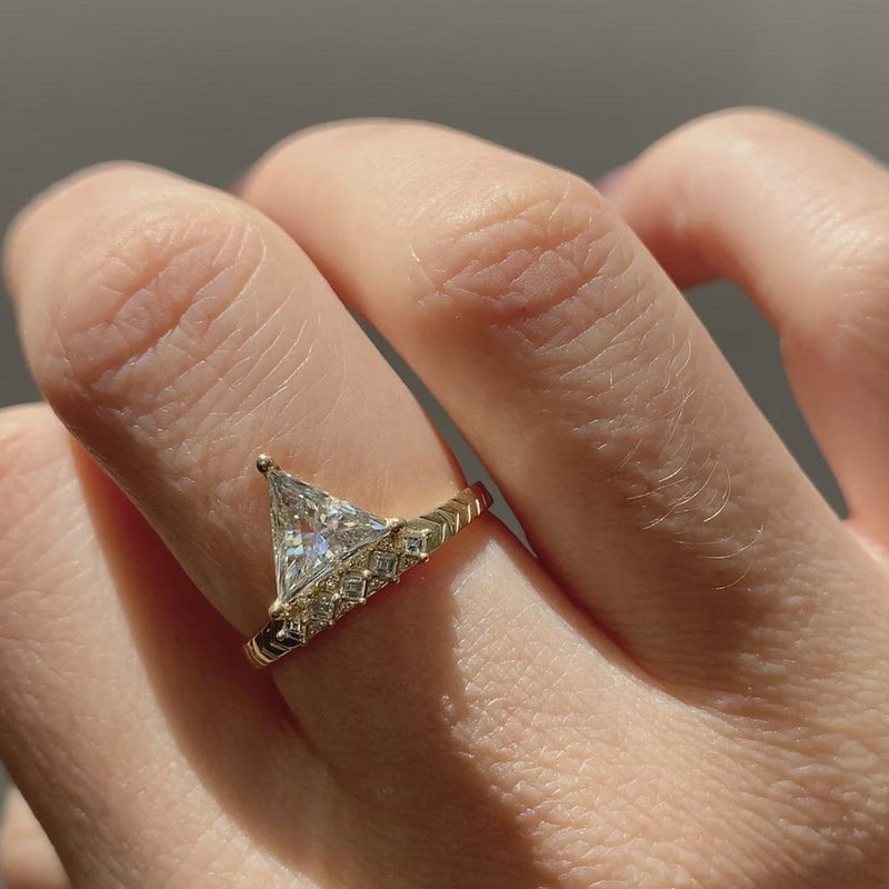 Detailed-Triangle-Diamond-Ring-with-Gold-Pattern-0.5-carat-video