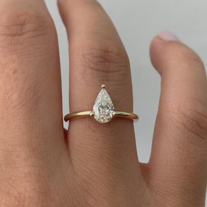 Pear-Engagement-Ring-Colorless-Diamond-Ring-video