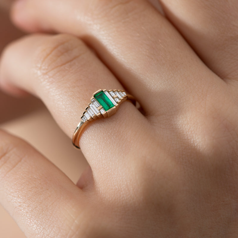Dainty-Emerald-Engagement-Ring-with-Needle-Baguette-Diamonds-shiny