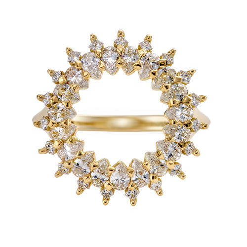 Diamond-Lace-Ring-with-Cluster-of-Pear-and-Princess-Cut-Diamonds-closeup