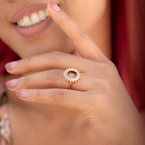 Diamond-Lace-Ring-with-Cluster-of-Pear-and-Princess-Cut-Diamonds-side-shot