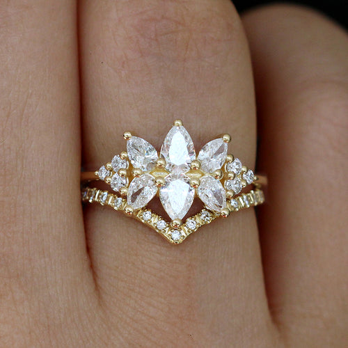 Diamond Cluster Engagement Ring Set - Der Flora Ring Set Up Close