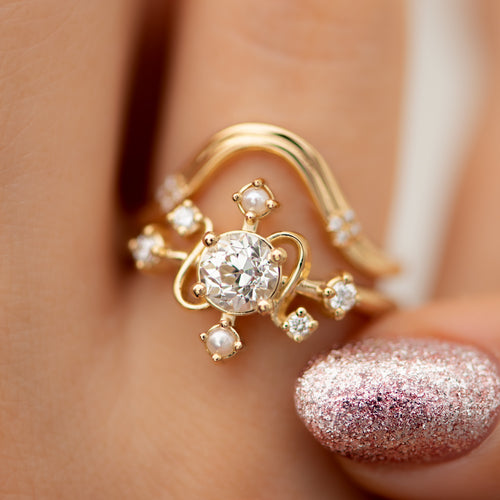 Elemental-Engagement-Ring-with-Diamonds-and-Pearls-in-set