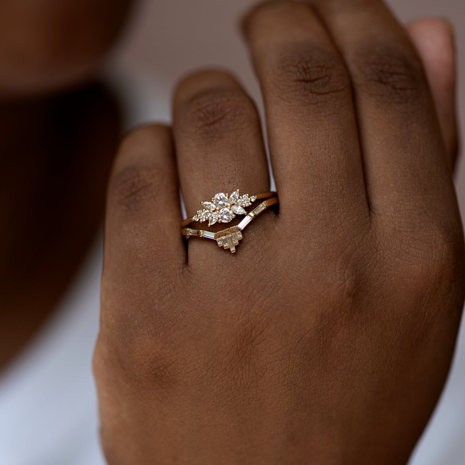 Engagement-Ring-with-a-Cluster-of-Diamonds-Small-Flora-Ring-Ring-in-set