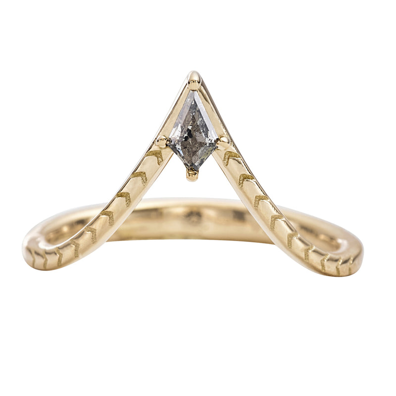 Engraved-Chevron-Ring-with-a-Salt-and-Pepper-Kite-Diamond-closeup