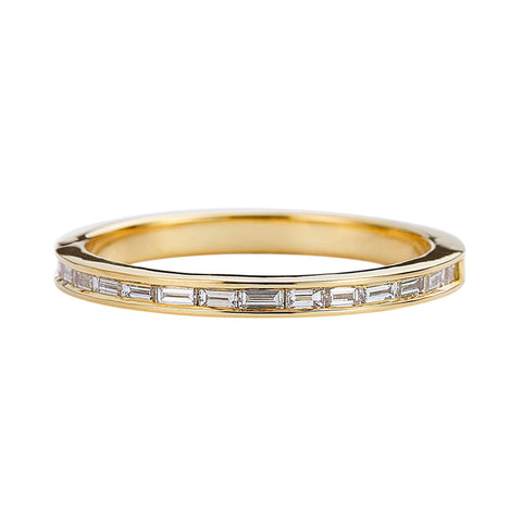 Eternity-Wedding-Ring-with-Baguette-Diamonds-Art-Deco-Style-Wedding-Band-closeup