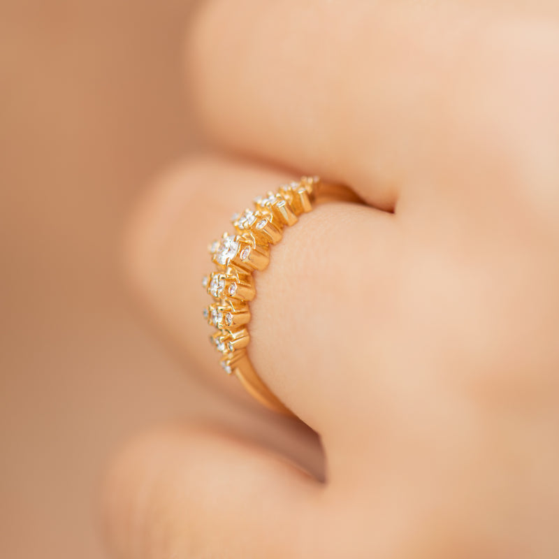 Gold-Orbit-Ring-with-Brilliant-Cut-White-Diamonds-side-shot