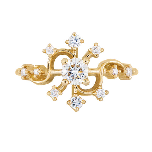 Golden-Compass-Engagement-Ring-with-Brilliant-Cut-Diamonds-sparking-closeup