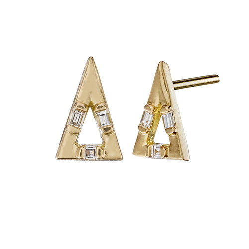 Golden-Pyramid-Studs-with-Baguette-Cut-Diamonds-closeup