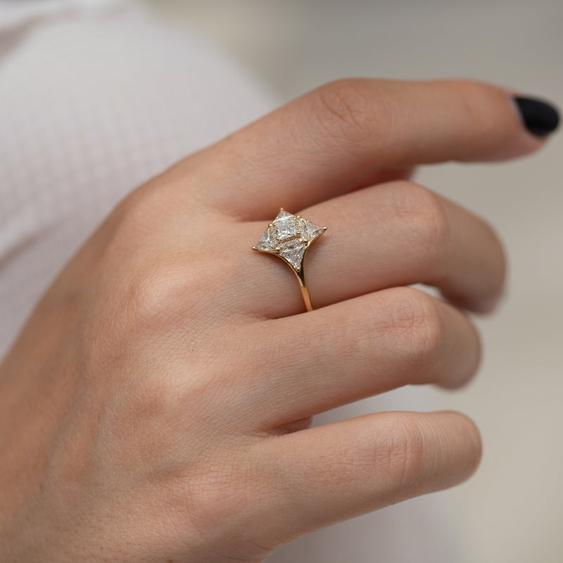 Vintage Style Triangle Diamond Star Ring2