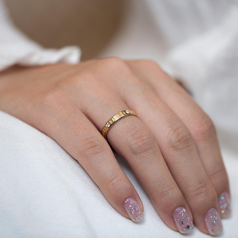 Moon Wedding Ring - Thick on pant