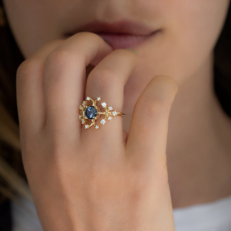 Parti-Sapphire-Engagement-Ring-with-Brilliant-Cut-Diamonds-MOMENT-ON-FINGER