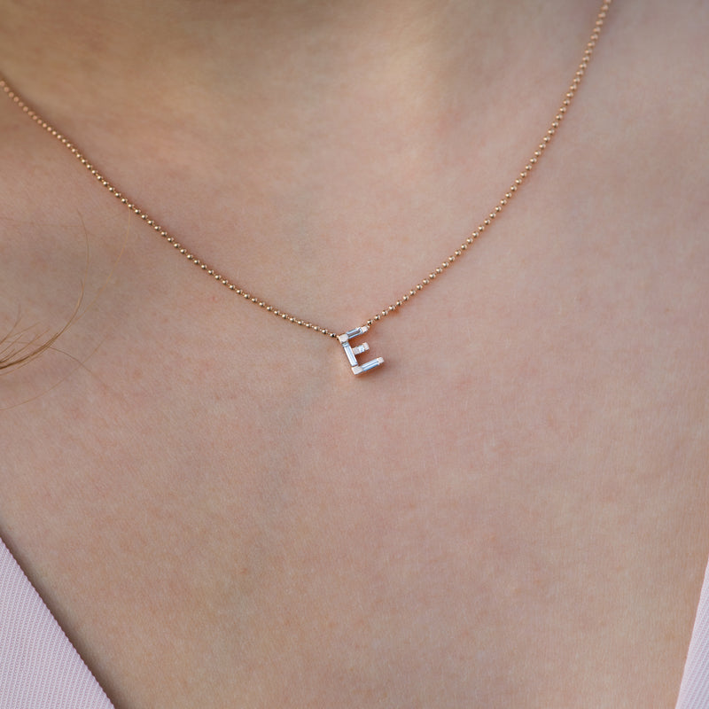 Personalised-Initial-Necklace-with-Baguette-Diamonds-freckles-E