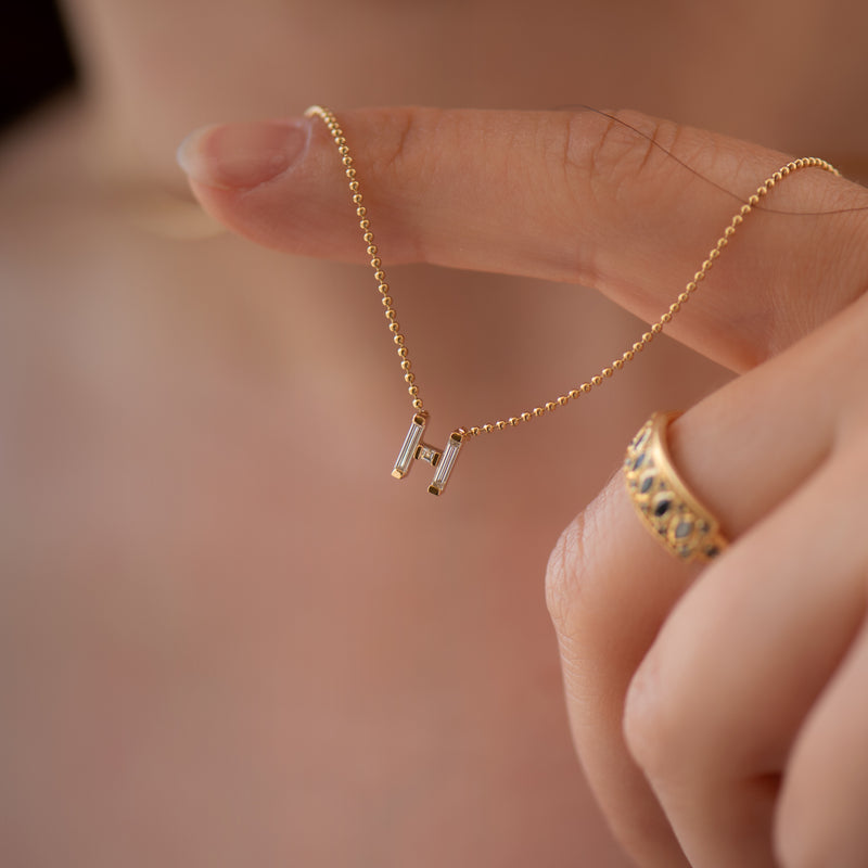 Personalized-Initial-Necklace-with-Baguette-Diamonds-closeup-H