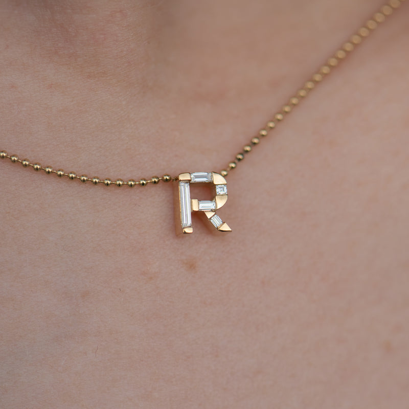 Personalized-Initial-Necklace-with-Baguette-Diamonds-closeup