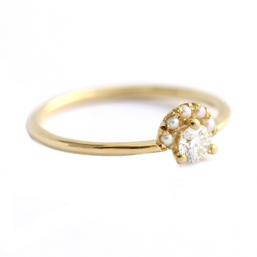 Side-View-Of-Seed-Pearl-Crown-Ring