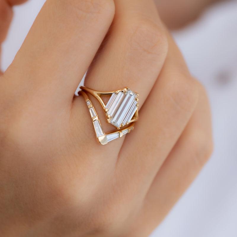 Symmetry-Engagement-ring-with-Five-Baguette-Cut-Diamonds-in-set
