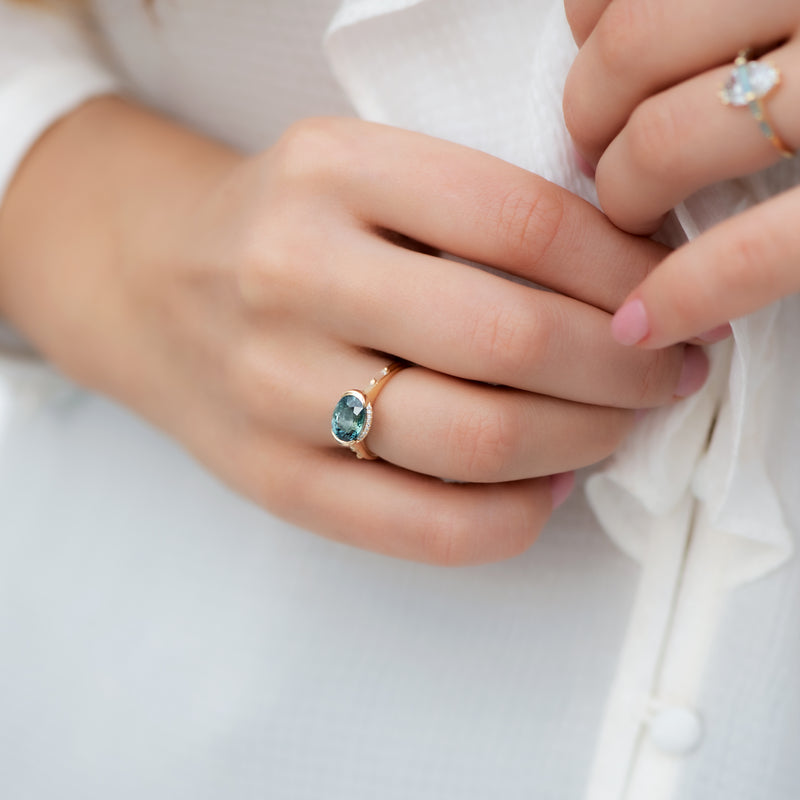 Teal-Sapphire-Engagement-Ring-with-Delicate-Diamond-Detailing-OOAK-shiny