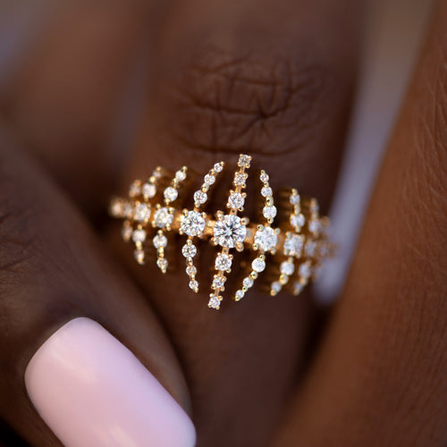 The-Gold-Nova-Ring-with-Garlands-of-Gradient-Diamonds-TOP-SHOT