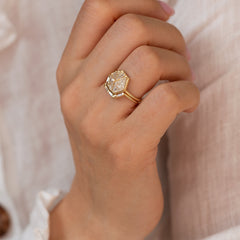 Trapezoid-Nesting-Ring-with-Baguette-Diamonds-moment