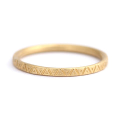 Triangle Pattern Wedding Band