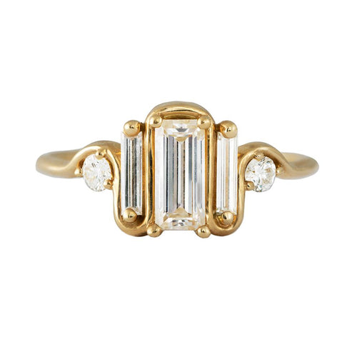 Dreifacher Baguette Diamond Wave Ring