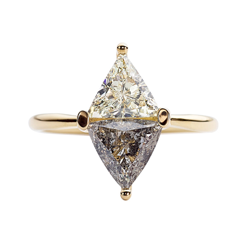 Two-Tone-Diamond-Rhombus-Engagement-Ring-White-and-Grey-Trillions-close-up